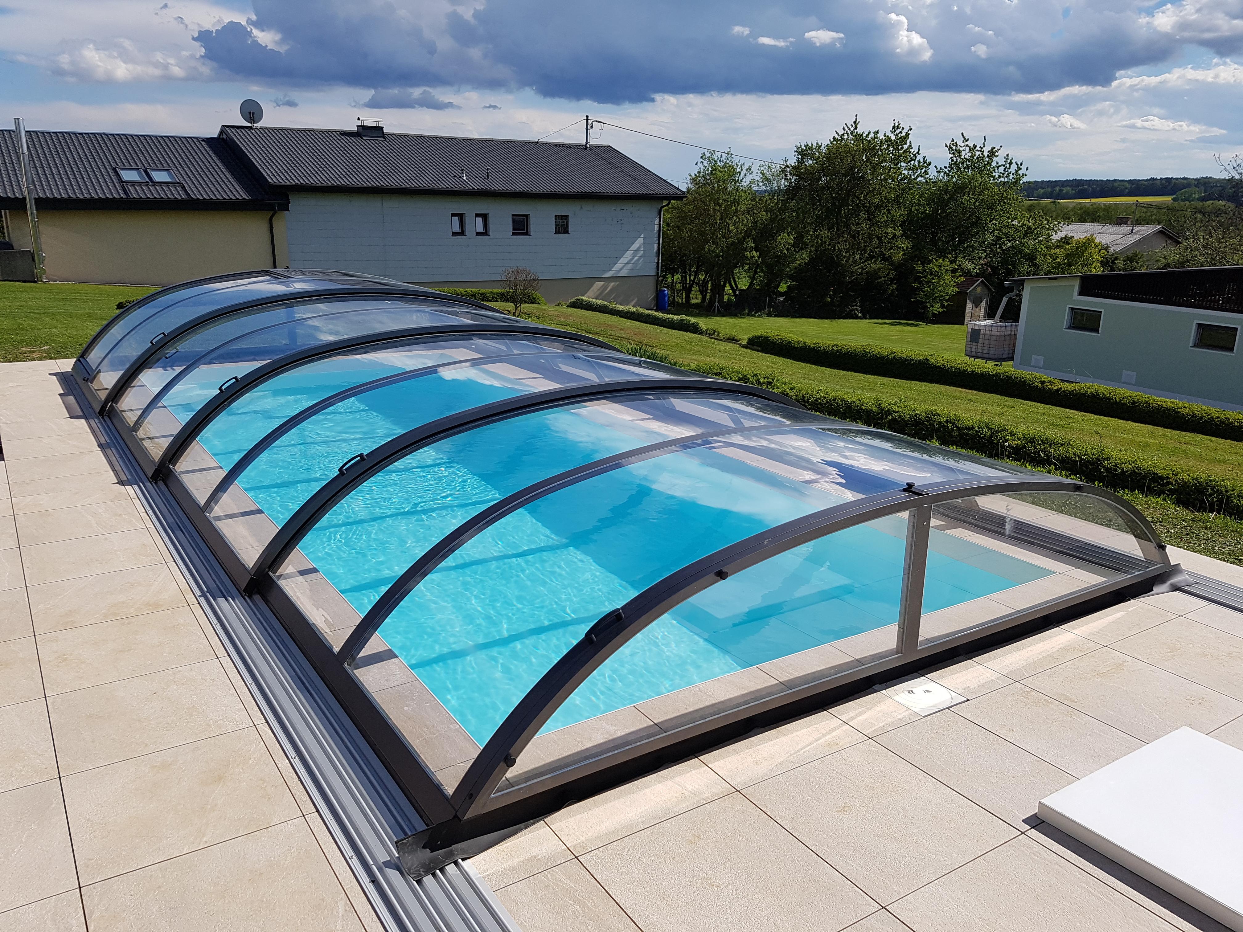 Berdachungen muck pool for Pool graue folie
